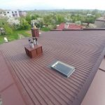 Dach jednospadowy i blacha trapezowa