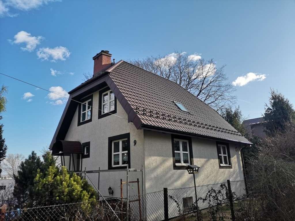 Nowe pokrycie dachu z blachodachówki