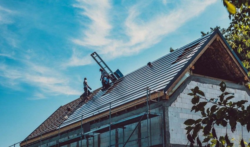 Pokrycie dachowe na nowoczesnej stodole w Krakowie
