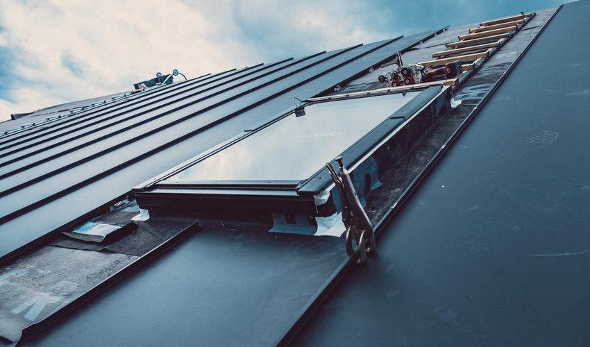 Dach z wbudowanymi panelami fotowoltaicznymi Kraków